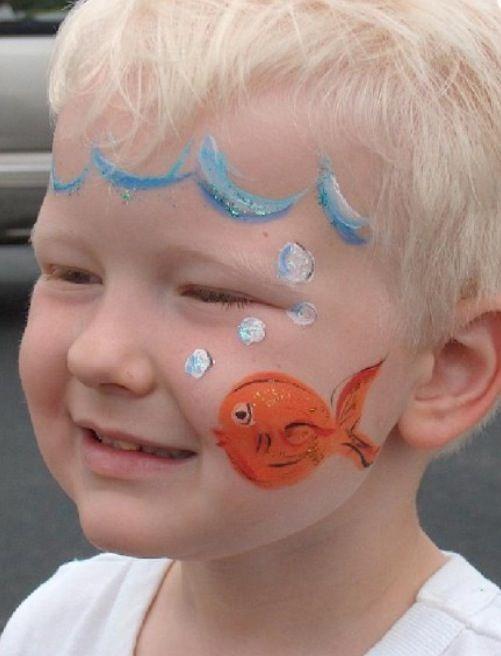 رسم على وجه الاطفال